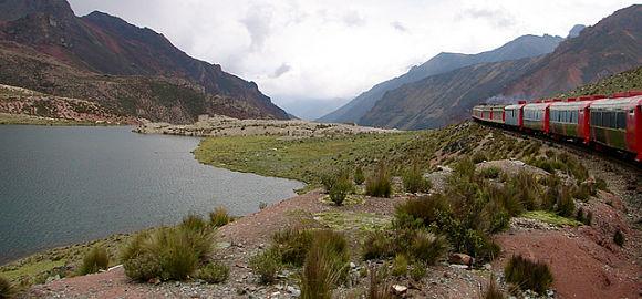 Tren turístico de Perú
