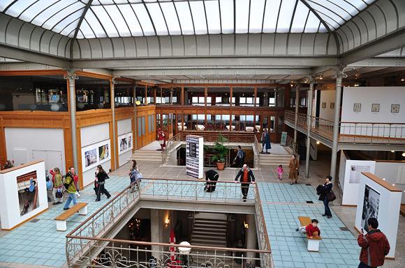 Imagen del interior del edificio diseñado por Víctor Horta, Museo del Comic, Bruselas