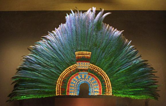 Penacho de Moctezuma en el Museo de Etnología de Viena