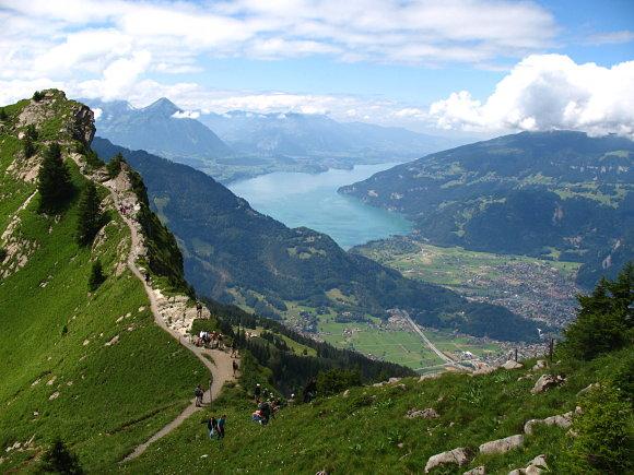 Panorámica de Interlaken tomada desde Oberberghorn, Suiza