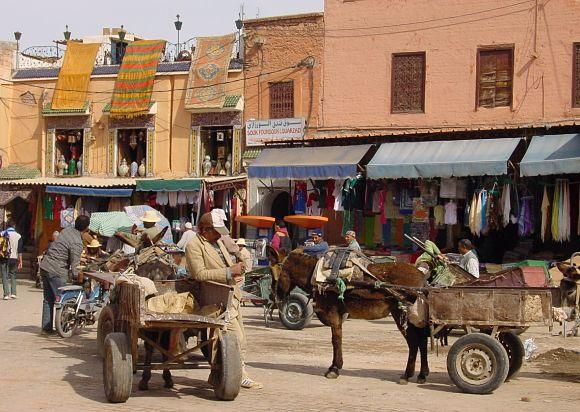 Fotografía que ilustra la vida diaria en la Medina de Marrakech