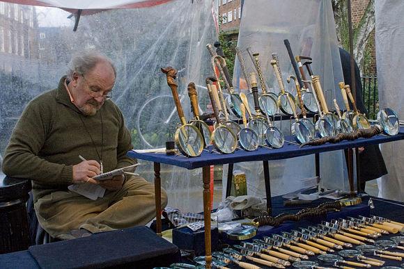 La parte de las antigüedades es la más famosa y aclamada del Mercado de Portobello Road