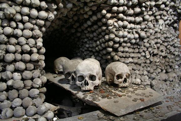 El Osario de Sedlec alberga entre 40.000 y 70.000 esqueletos humanos