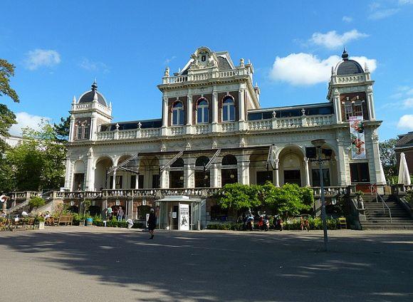 En el Vondelpark podremos visitar el Museo del Cine que se encuentra en su interior