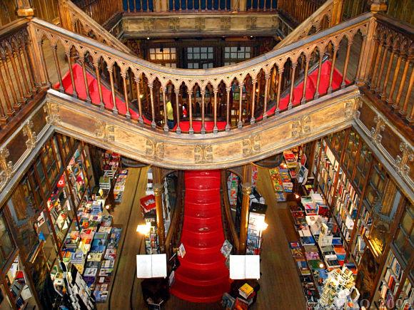 Librería Lello e Irmão vista desde arriba