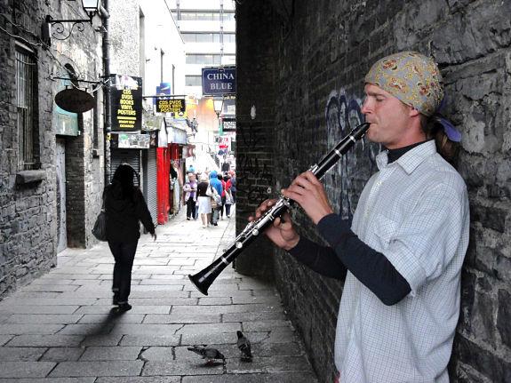 El Temple Bar, es además un barrio muy bohemio donde encontraremos numerosos músicos y artistas por la calle