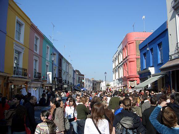 Para evitar un paseo agobiante por la multitud de gente, es preferible ir al Mercado a primera hora de la mañana