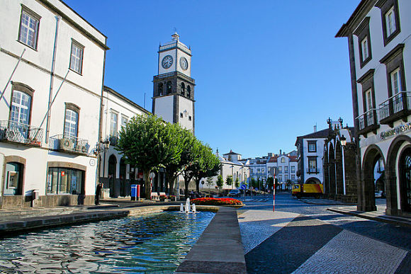 Ponta Delgada es la capital de la Isla de São Miguel y también de todo el archipiélago de las Azores