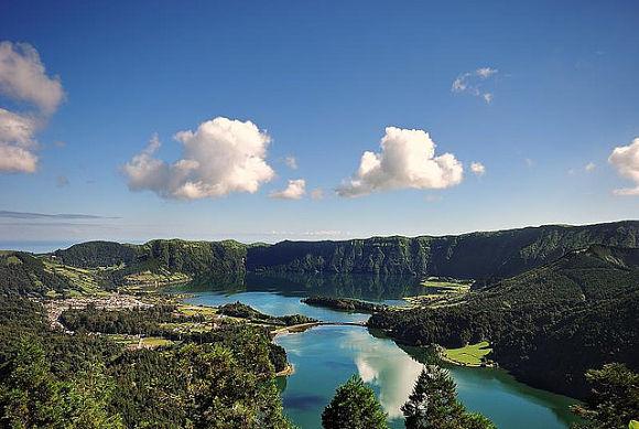 En Siete Cidades encontraremos el paisaje más bello y famoso de todas las Islas Azores