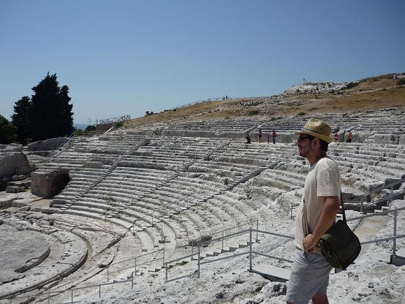 El Teatro Griego de Siracusa es uno de los más grandes y asombrosos que se conservan dentro del mundo griego