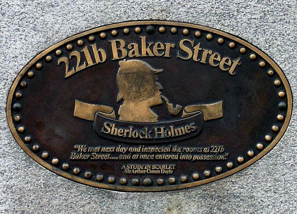 Placa de Sherlock Holmes situada en 221B de Baker Street, Londres
