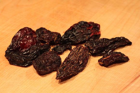 El chipotle es un chile que se ha dejado secar y que normalmente se muele para alguna salsa