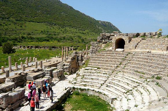 Fotografía del Odeón en la ciudad antigua de Éfeso, Turquía