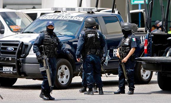 La policía en la mayor parte del territorio mexicana va armada hasta los dientes