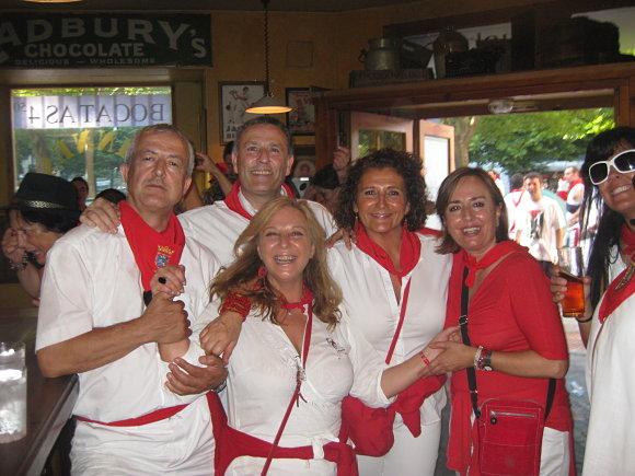 Vestimenta típica de Sanfermines, marcada por el rojo y el blanco