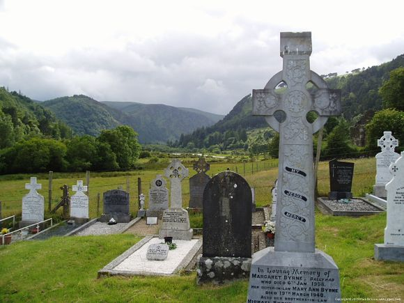 En Glendalugh encontraremos también muchas lápidas antiguas que aumentarán el ambiente místico del lugar