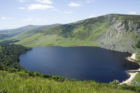 El lago Guiness es una de las mayores atracciones de Wicklow Mountains