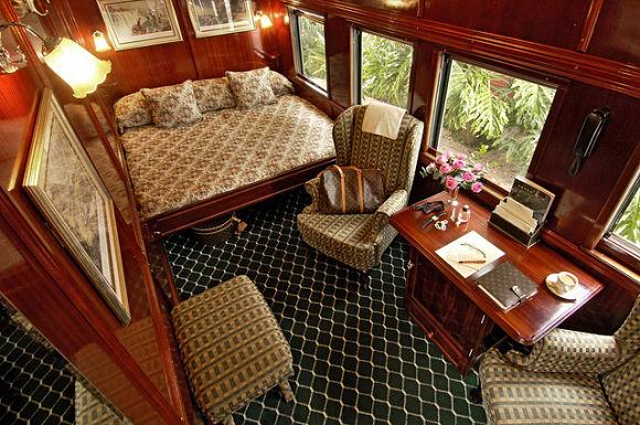 Imagen de una de las lujosas habitaciones del Rovos Rail