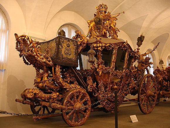 En el Marstallmuseum encontraremos lujosos carruejes que utilizaban grandes reyes como Luis II