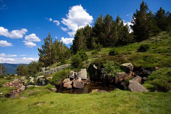 En los alrededores de la Laguna encontraremos paisajes maravillosos y sitios estupendos para practicar deportes de naturaleza