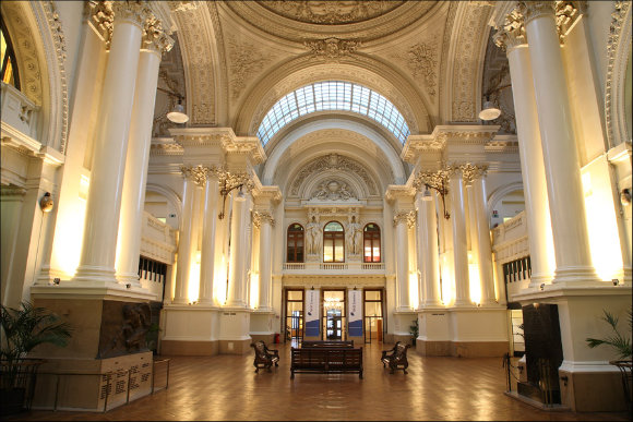 Fotografía del interior de la Bolsa de Valores de Bruselas