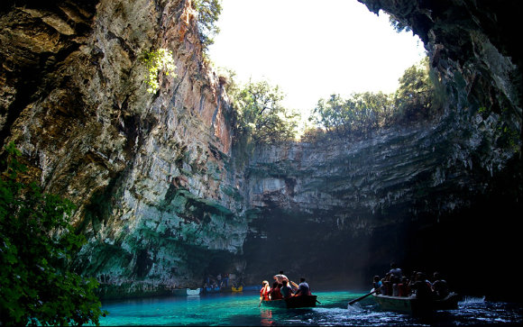 Las cuevas de Melissani se encuentran en la isla griega de Kefalonia