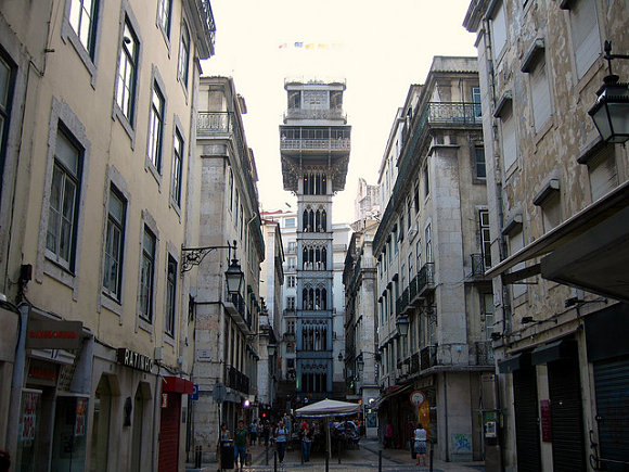 El Elevador de Santa Justa es, hoy día, una de las principales atracciones turísticas de Lisboa