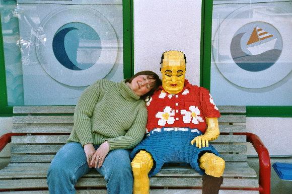 No te quedes dormida en Legoland California, puede que hayan sustituido a tu marido