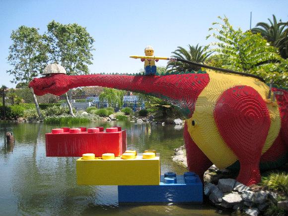 En Legoland California la imaginación es el límite. ¡Descubre sus dinosaurios!