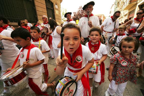 La música en las calles es una consecuencia de las fiestas populares de los Sanfermines