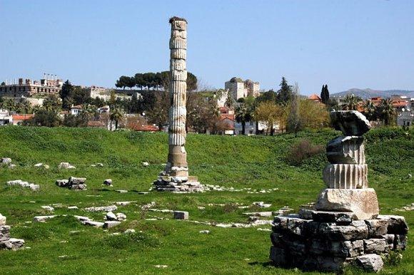 Lo que queda en pie del Templo de Artemisa de Éfeso, una de las 7 Antiguas Maravillas