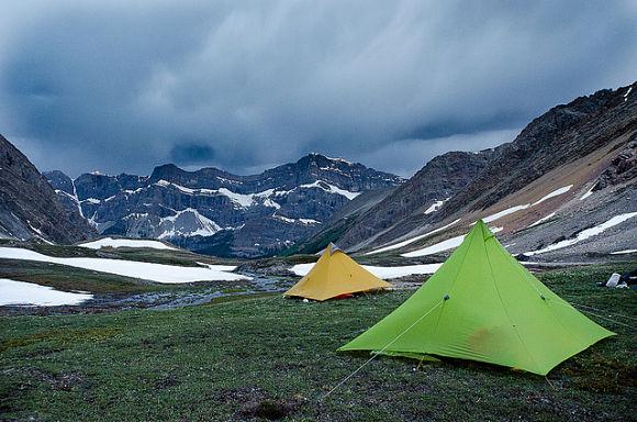 Acampar en las inmediaciones del Parque Nacional Banff nos proporcionará unas vistas espectaculares