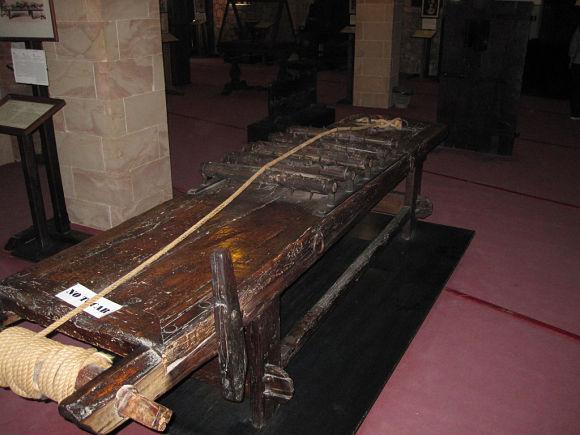 Museo de la Inquisición y la Tortura Santilla del Mar instrumentos tortura