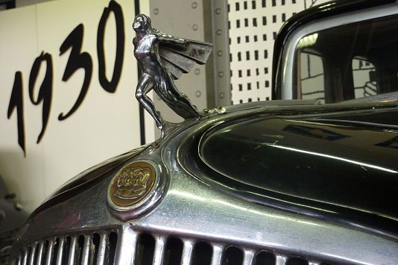 La década de los años 30 en el museo de coches de Bruselas