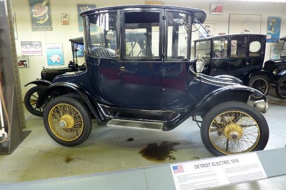 Uno de los varios modelos de coches eléctricos que puedes encontrar en Autoworld