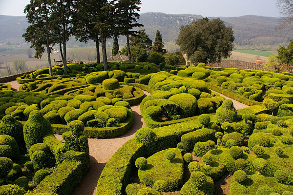 marqueyssac los jardines colgantes de francia. Black Bedroom Furniture Sets. Home Design Ideas