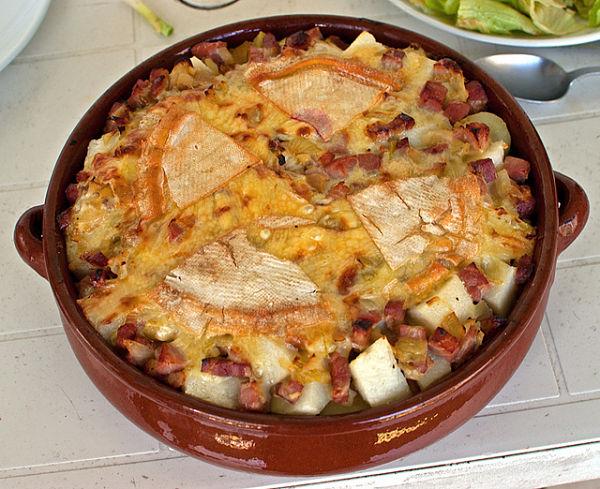 Tartiflette tradici n gastron mica de los alpes franceses for Platos franceses