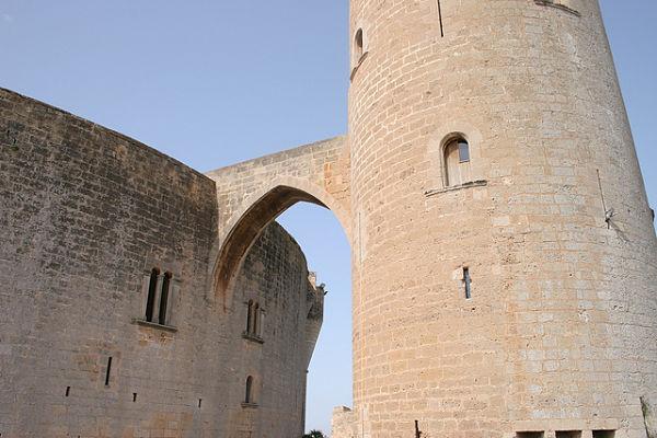 castillo bellver torre del homenaje