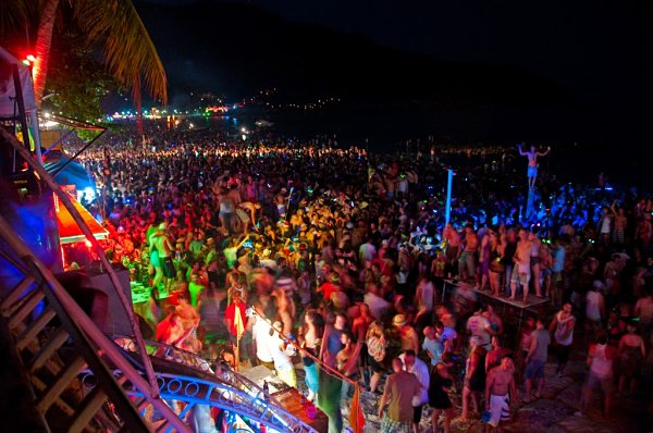Full Moon Party fiesta