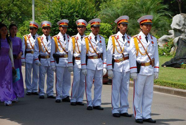 Ho Chi Minh Hanoi Guardias