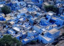 Las casas de color azul en el centro de la ciudad de Jodhpur en la India