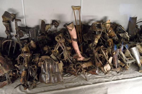 Visitar la sala de las pruebas de los crímenes de Auschwitz no es apto para todo el mundo