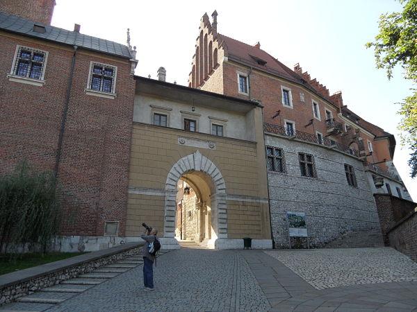 La murallas de la colina de Wawel es la unión de monumentos, residencias y fortificaciones