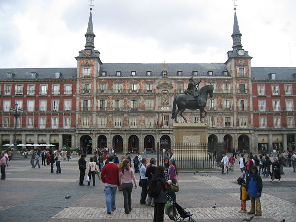 plaza mayor madrid estatua felipe iii