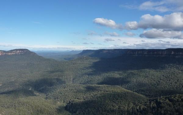 Increíbles vistas panorámicas desde el mirador de las tres hermanas de las Montañas Azules