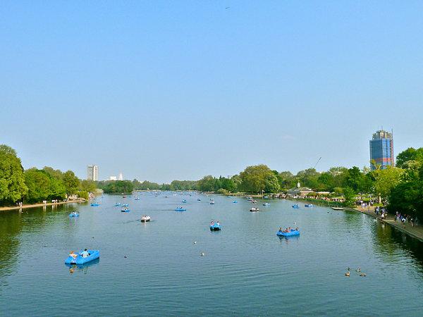 hyde park lago serpentine barcas
