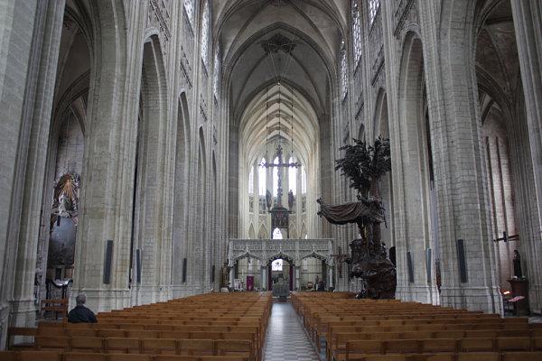 iglesia san pedro lovaina interior