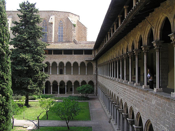 monasterio pedralbes claustro