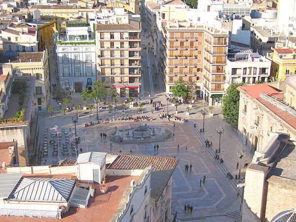 plaza virgen valencia miguelete