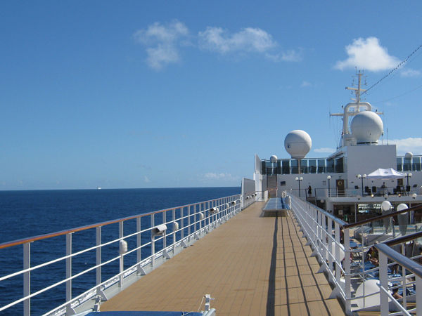 viajar en crucero cubierta